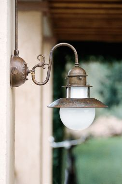 LINEA ABBAZIA WALL LAMP BRONZE
