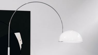 COUPE' FLOOR LAMP WITH ARC WHITE