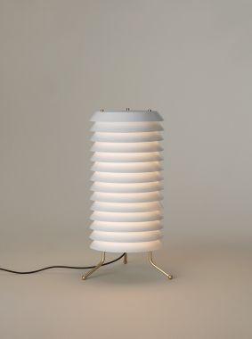 MAIJA 30: METALLIC LAMPSHADE FINISHED IN MATTE WHITE. BRASS